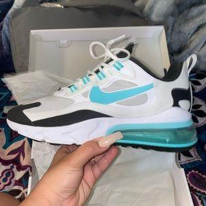 Nike air max's 270 react/ wmns sz 9